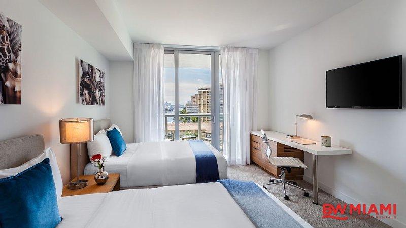 Studio Suite with Intracoastal Waterway Views, vacation rental in Hallandale Beach