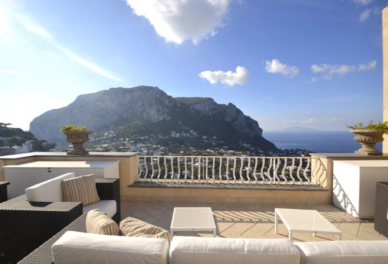 Villa Due Marine, rimborso completo con voucher*: Uno splendido e luminoso appar, location de vacances à Capri