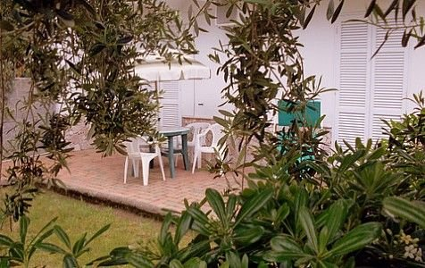 Villa Chiaretta H, rimborso completo con voucher*: Una caratteristica antica cas, holiday rental in Casamicciola Terme