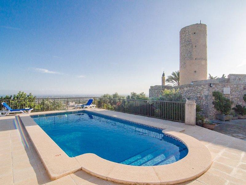 ALACANTI - Villa for 6 people in S'Horta., location de vacances à Santanyi