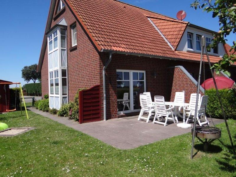 Platz satt: Dieses herrlich gelegene Reihenendhaus mit ca., holiday rental in Carolinensiel