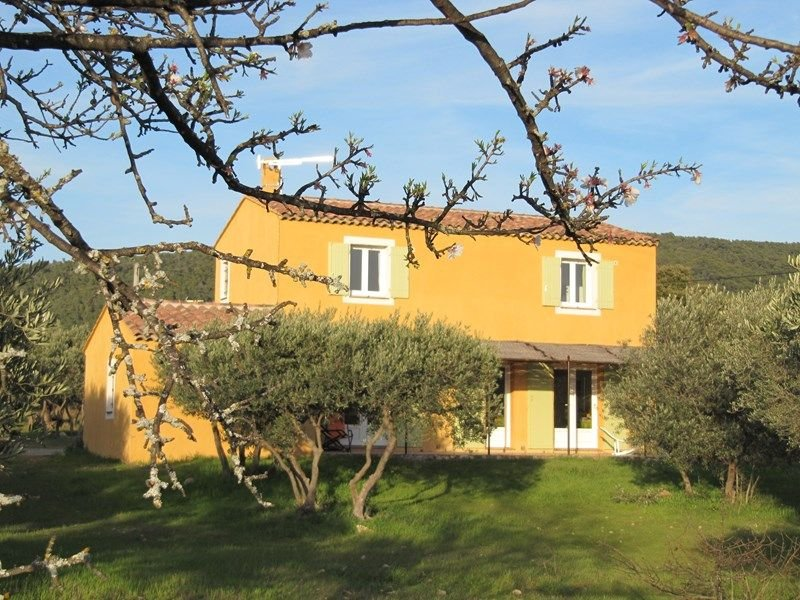 Villa les Oliviers pour 6 personnes, aluguéis de temporada em Aups