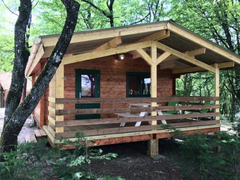 Camping La Garenne*** - Chalet Les Coquelicots 3 Pièces 4 Personnes, holiday rental in La Bachellerie
