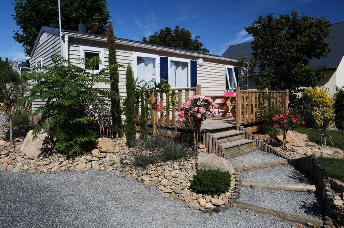 Camping Saint Michel*** - Mobil-Home 4 Pièces 8 Personnes, vacation rental in Le Val-Saint-Pere