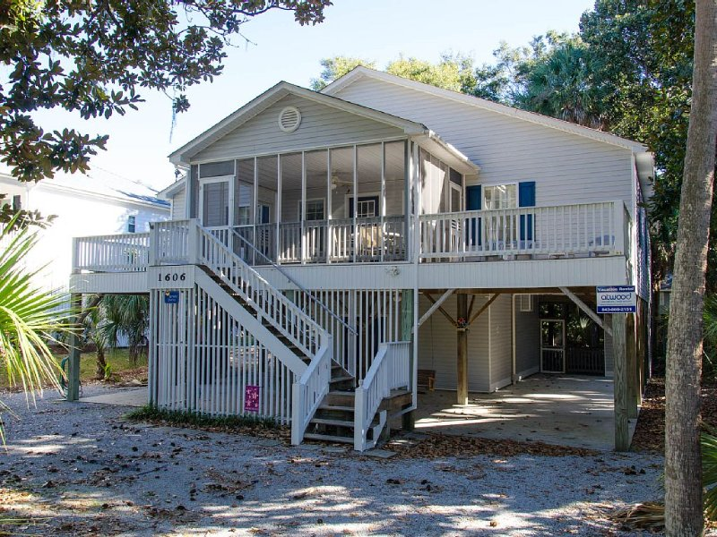 Harmony Shores - 4BR/2.5BA, Beach Walk, Screened Porch, vacation rental in Edisto Island