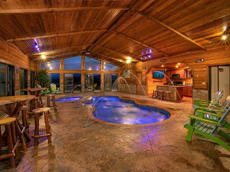 Incredible Mansion with Private Indoor Pool and Theater Room, vacation rental in Gatlinburg