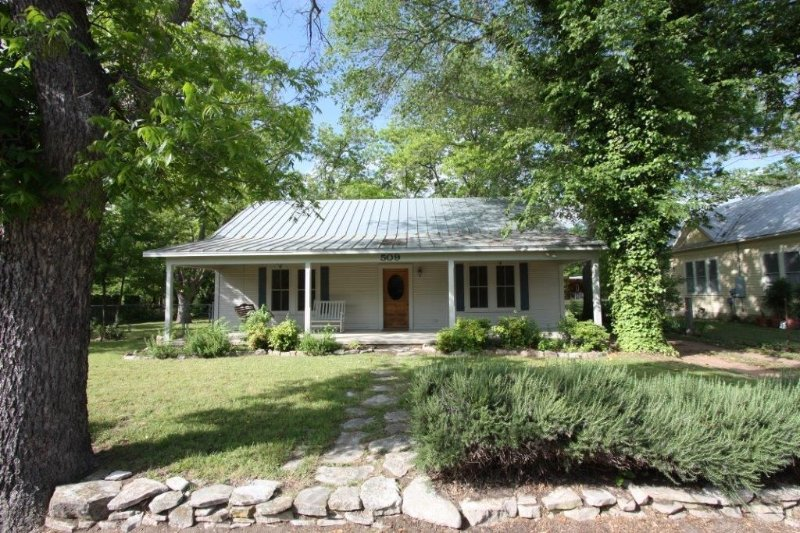 Sophia�S Secret Guesthouse, vacation rental in Fredericksburg