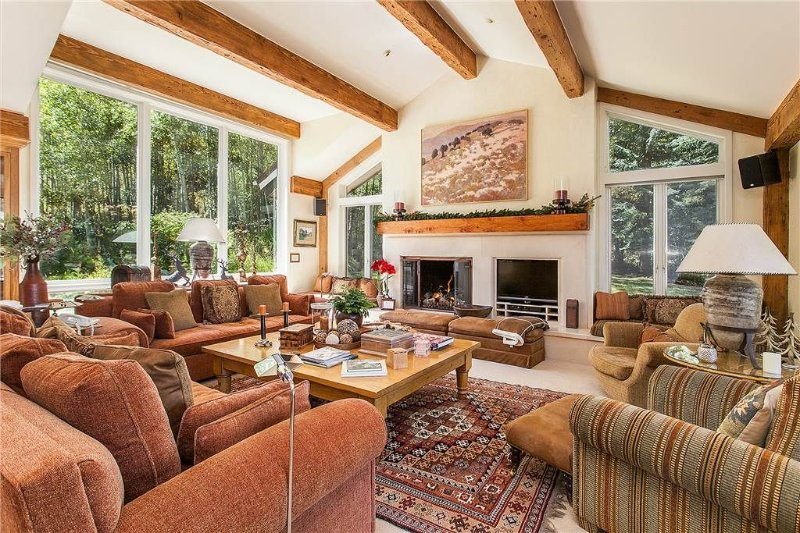 Click to save 25% on Ski in/out 5 bd/5.5b Snowmass home located, location de vacances à Snowmass Village