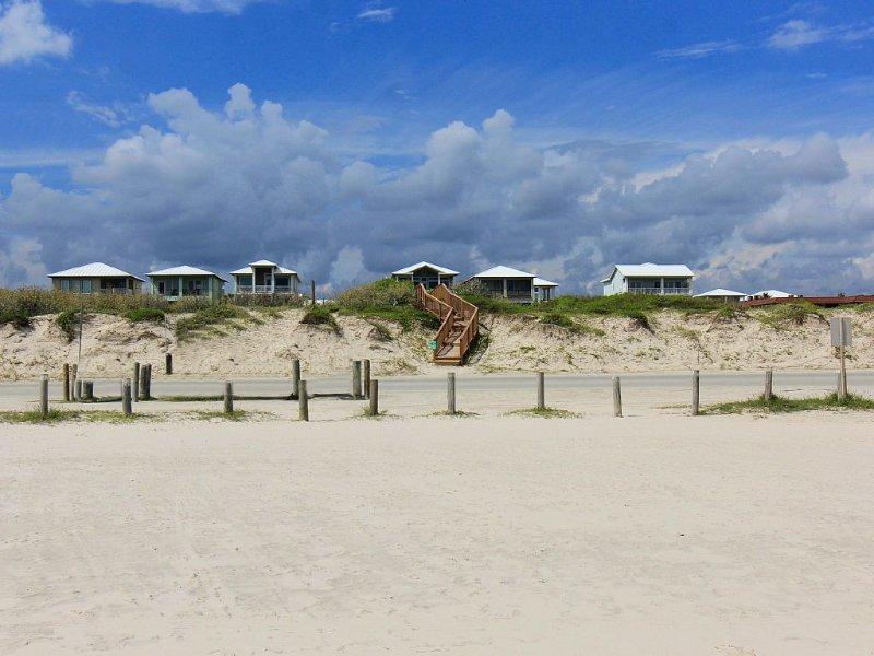 Beach -front/view/access-FREE GOLF CART-now thru May!, casa vacanza a Port Aransas