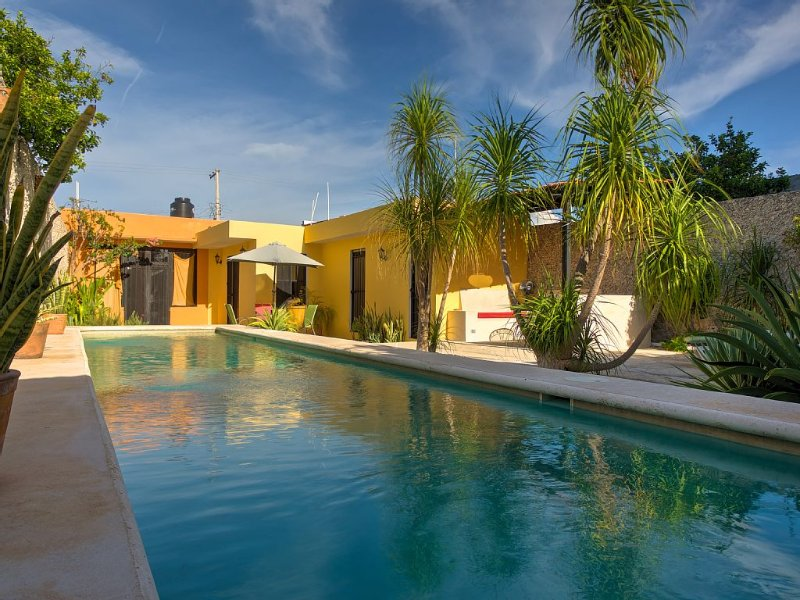 Comfort and Tranquility in Merida's Historic Centre, vacation rental in Merida