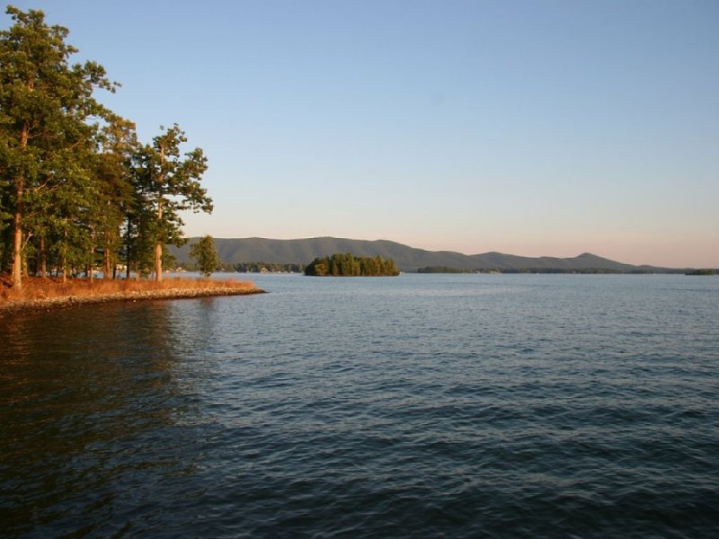 Beautiful Smith Mountain Lake in Bedford County, VA