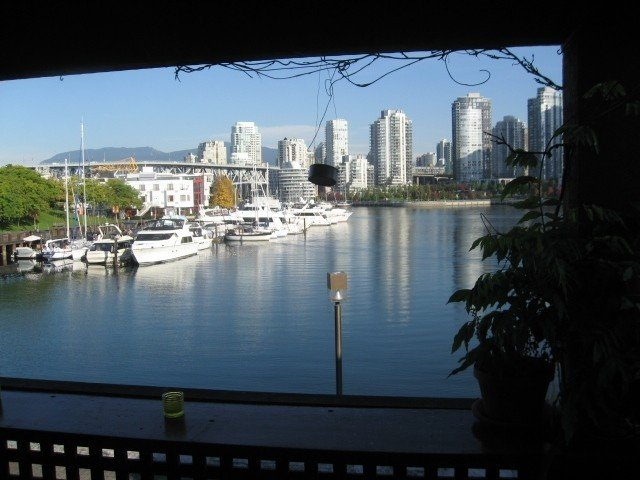 Sheltered Front Deck - Outdoor Dining option: E-N-W Views
