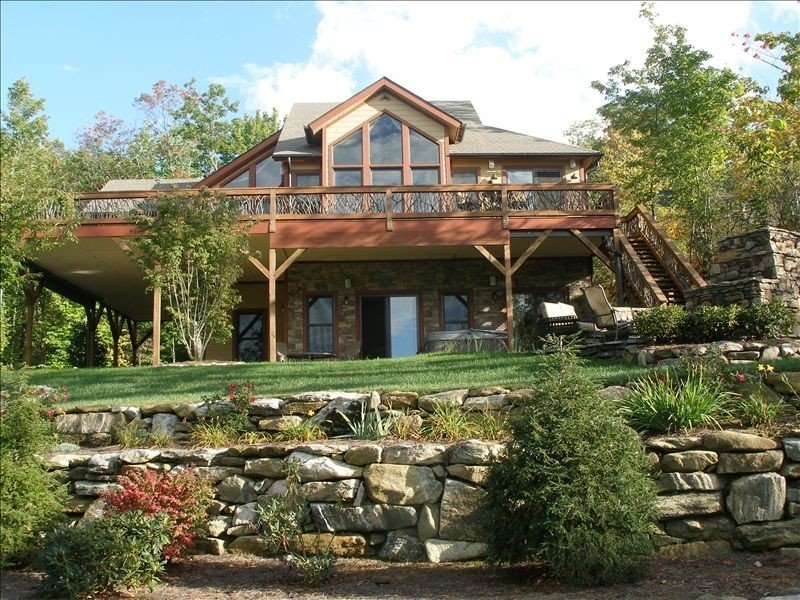 Mountain Home with Waterfall View! Be Worry Free  with Extra Cleaning Protocols!, Ferienwohnung in Lake Toxaway
