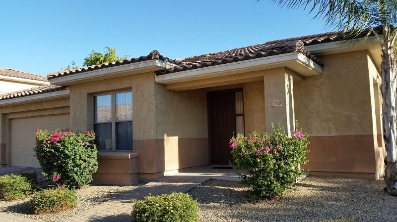 Affordable, 2 Bedroom House in the Palm Valley gated community., aluguéis de temporada em Goodyear