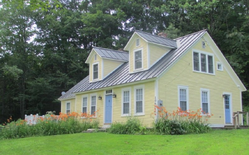 A House For All Seasons  closed for reservations because of Corona virus safety, vacation rental in Craftsbury