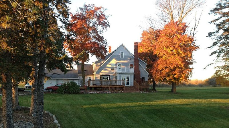 The Mill House, year around Country Home with 260 acres for Snowmobiling, holiday rental in Presque Isle