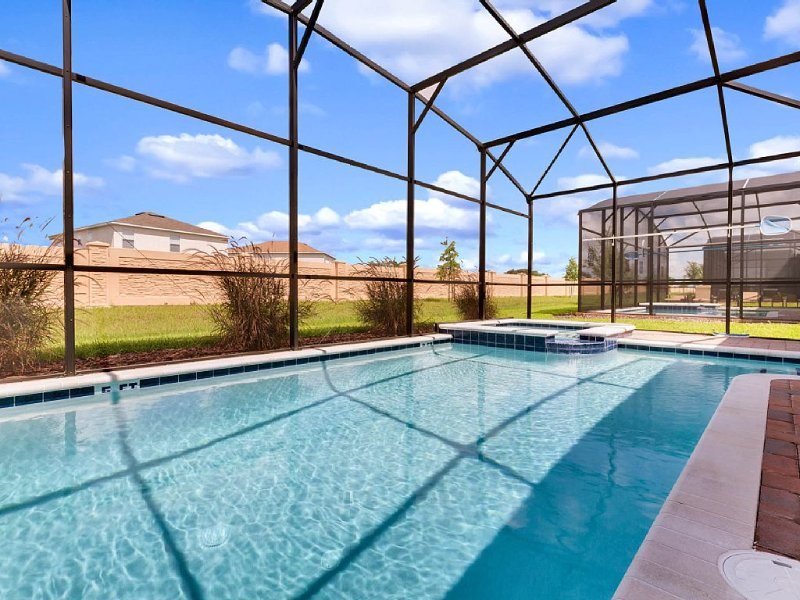 Luxury, 5 Bd 4.5 bath new 2016 Property in the stunning Champions Gate Resort, holiday rental in Davenport