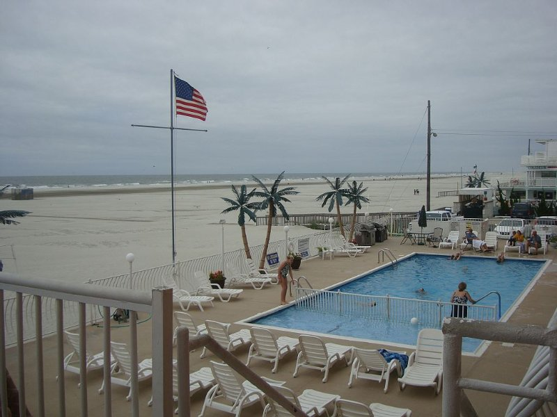 Oceanfront Condo - Spectacular Views! Week of August 8-15 is Still Available, holiday rental in Wildwood Crest