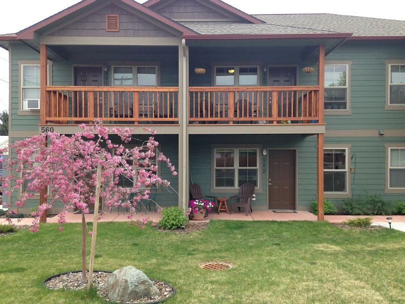 An Apartment Gem Located In The Heart Of Missoula, holiday rental in Huson
