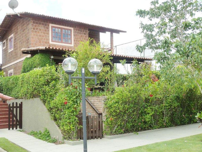 Casa Gravatá-8 adultos/'NÃO PETs' - Mobiliada/4 suítes c/cama casal/ventiladores, alquiler de vacaciones en Estado de Pernambuco
