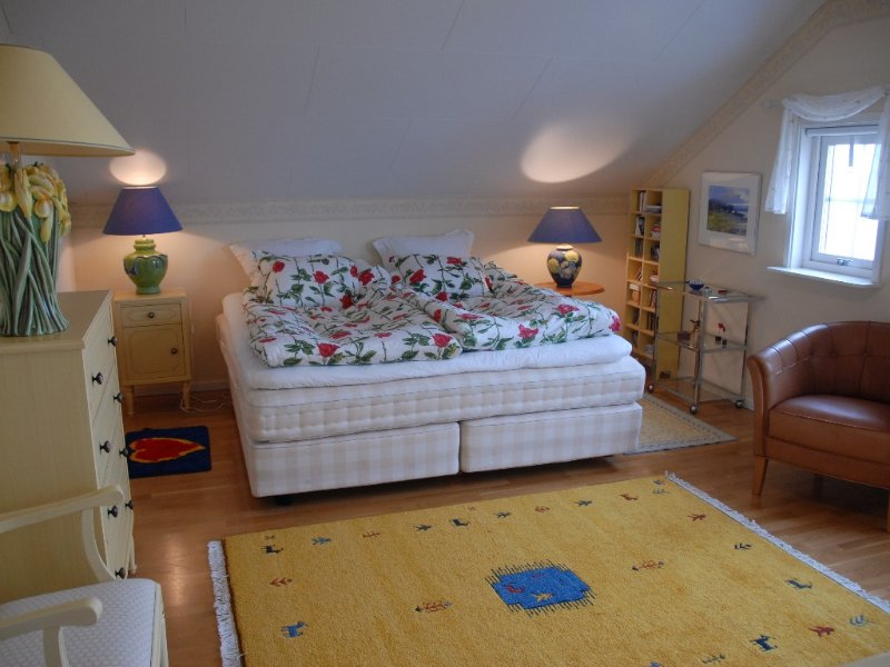 Master bed room, with the famous 'Hasten' beds, you'll sleep like a baby.