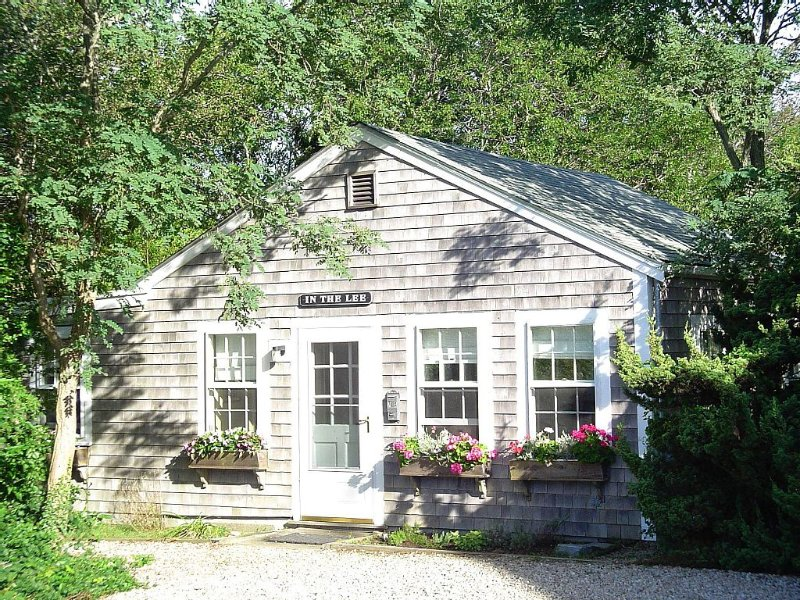 Secluded, Romantic, Cheery House Faces18th  Century Quiet, Working Windmill, vacation rental in Nantucket