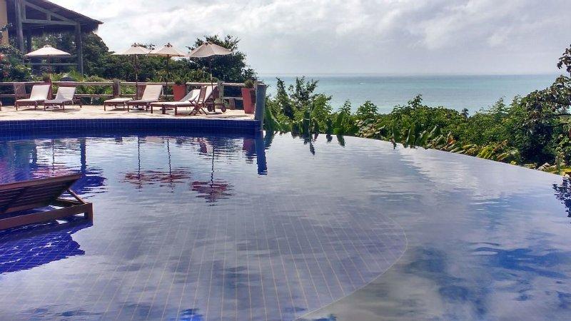 Chalé em resort a 500 metros da praia.Vista pro mar no alto da mata atlântica, alquiler vacacional en Maceio