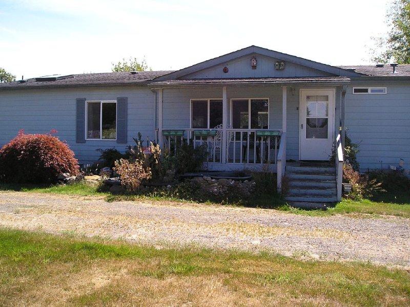 3 Bedroom, 2 Baths On 1 1/2 Acres, 6 Blocks From Downtown Forks, alquiler vacacional en Beaver