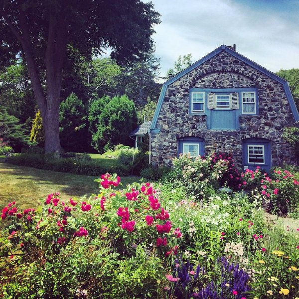 Cozy and comfortable cottage situated right on the ocean, alquiler de vacaciones en Kittery Point