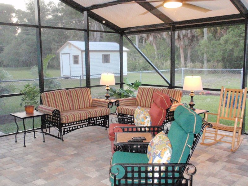 Lanai, Pets, Fenced Yard, Canal, Kayaks,  Be Worry Free Extra Cleaning Protocols, vacation rental in Englewood