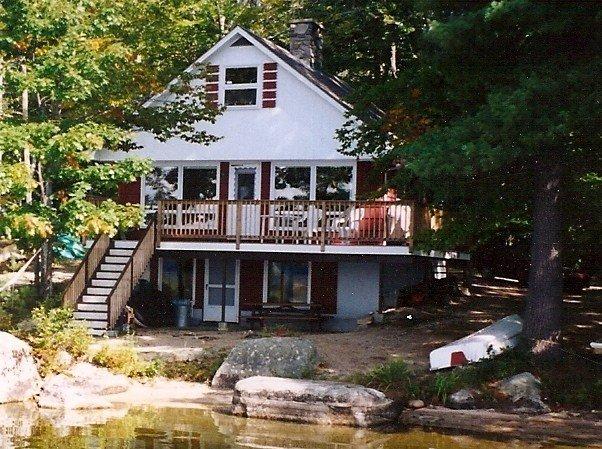 Lakefront Cottage on Pristine Maine Lake, aluguéis de temporada em Poland Springs