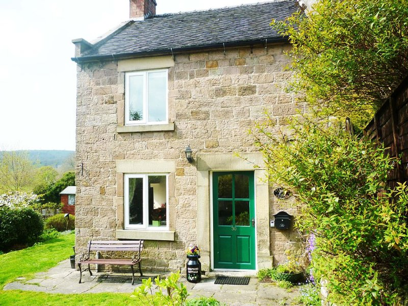 A Pretty Stone cottage, ideal for visiting Derbyshire Dales/White Peak area, holiday rental in Wirksworth
