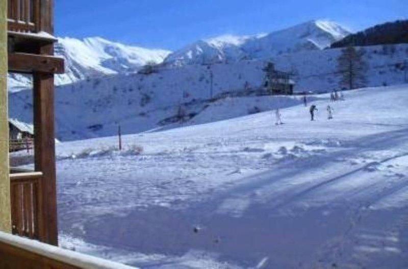 Appartement, pleine montagne, pied des pistes, petite résidence, holiday rental in Saint-Andre-d'Embrun
