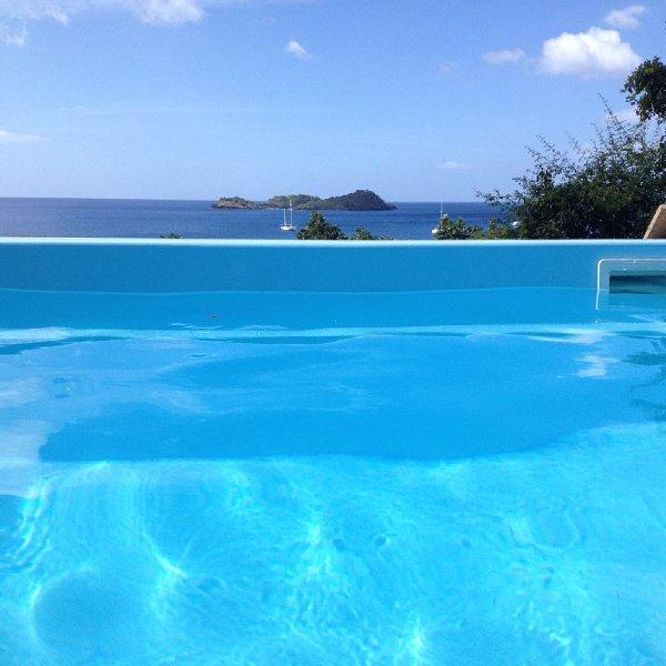 Holiday rental, panoramic sea views, near beach Malendure