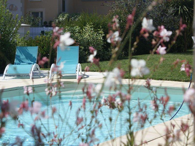 Villa avec piscine privée et chauffée au coeur de La Baule, vacation rental in Loire-Atlantique