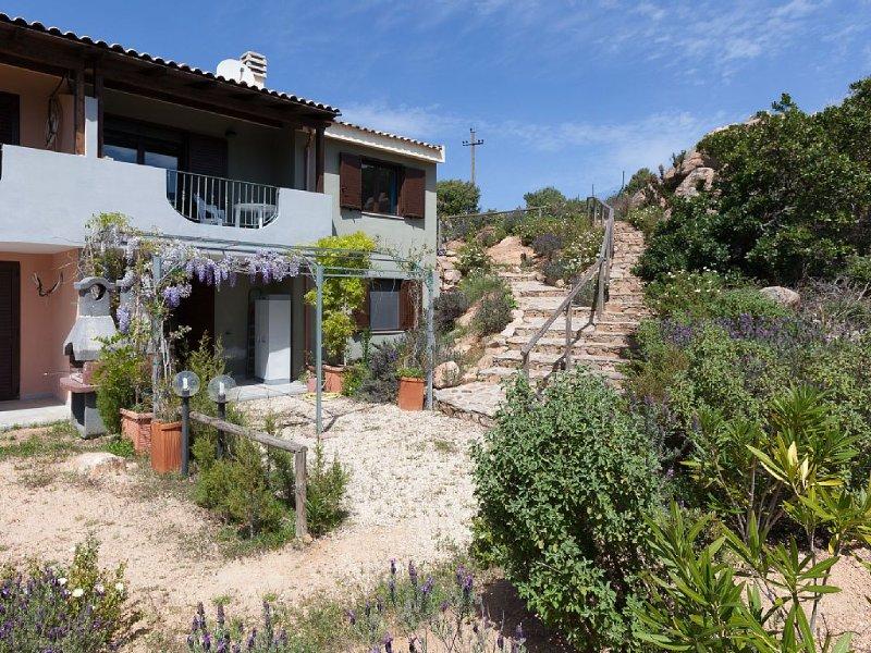 Villetta pressi Chia con ampio giardino, caposchiera vista mare, casa vacanza a Domus de Maria