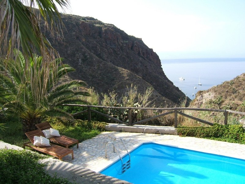 Aeolian Island Villa-Detached villa LIPARI, private pool with stunning sea view, holiday rental in Aeolian Islands