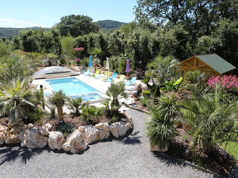 OASIS DE BOISSET : VILLA 5*, 3 min d'Anduze, PISCINE / SPA privatifs, 10/12 pers, holiday rental in Corbes