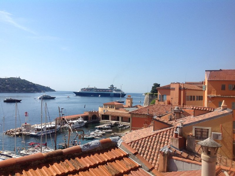 1BR apartment in Old Town, sea view,close to the beach ,, Ferienwohnung in Villefranche-sur-Mer
