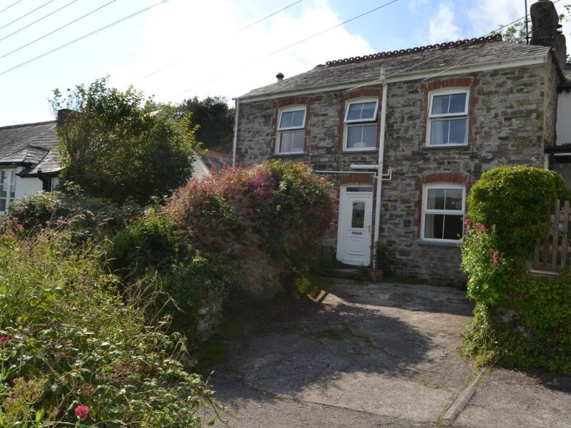 Lovely family cottage in Treknow close to Trebarwith Strand beach, vacation rental in Tintagel