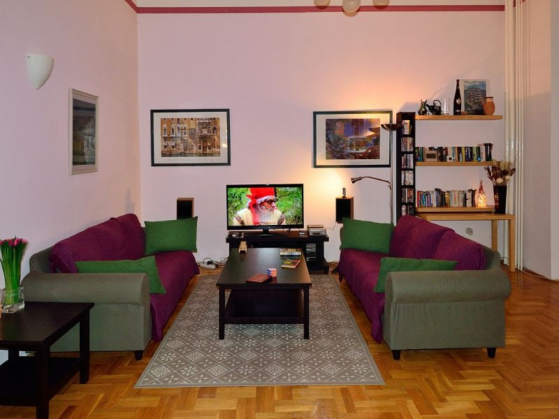 Spacious apartment in a superb central location., vacation rental in Budapest