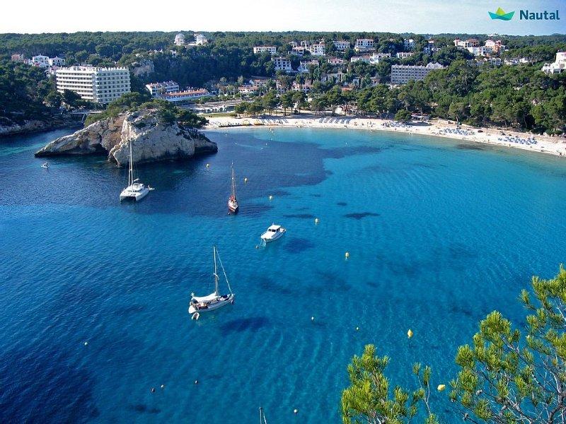 Bonito Apartamento CENTRICO con piscina e jardín, vacation rental in Ciutadella