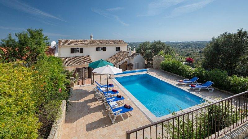 3 large Bed-3 Bath -Pool-Sleeps 6/8 Marvellous vi, location de vacances à Boliqueime
