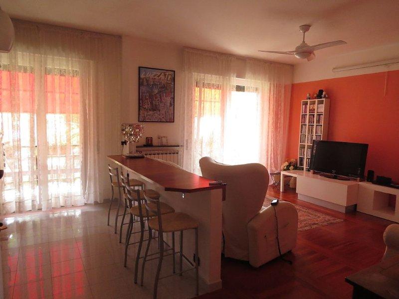 Luminoso, ampio, terrazzi, ad un passo dal mare, high-speed wifi ,Cinqueterre, casa vacanza a Sestri Levante