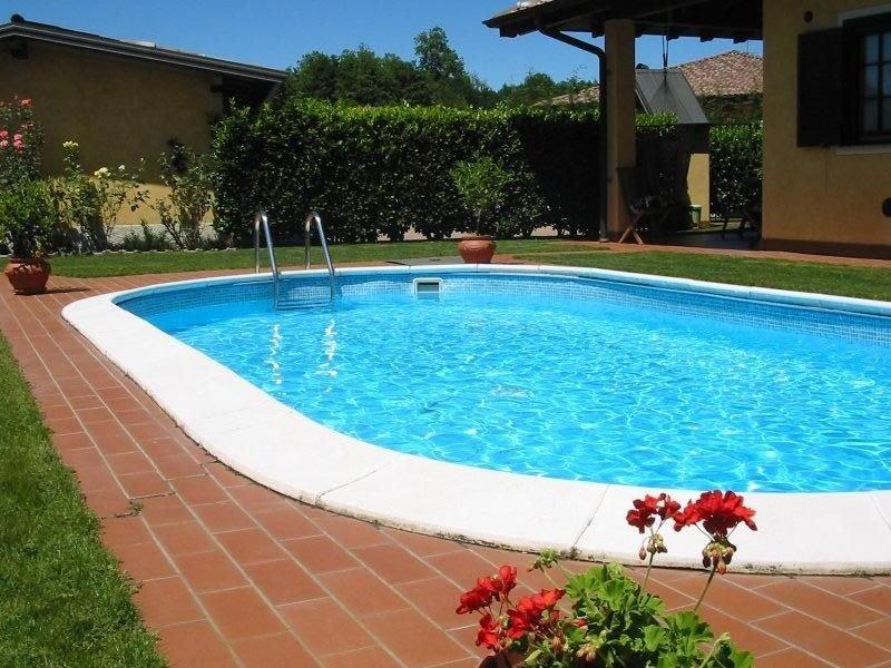 a 3km dal golf club ,a 10 min dal lago maggiore ,e a 20 min.dal lago d'orta, holiday rental in Gattico