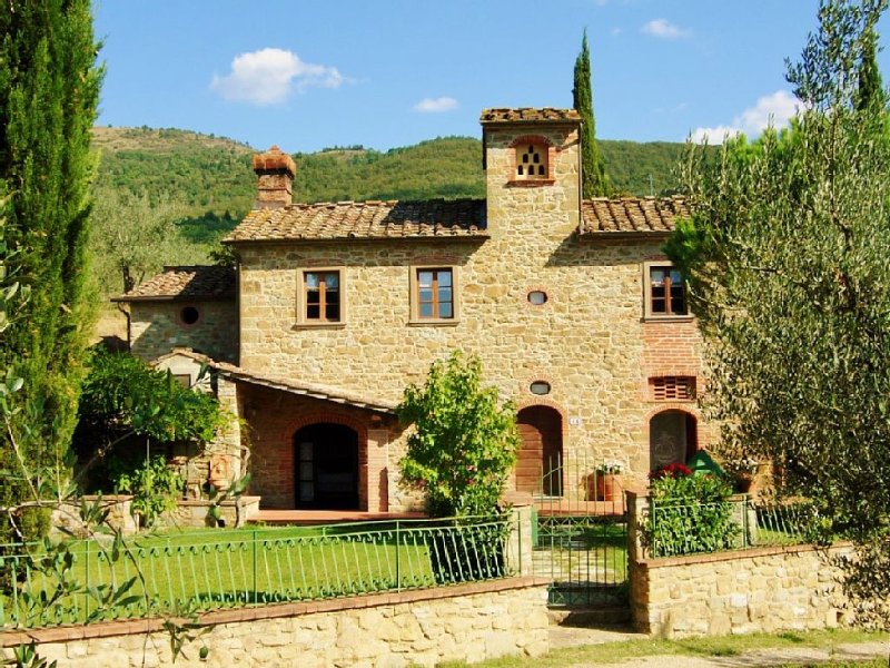Independent holiday country house in Tuscany, location de vacances à Arezzo