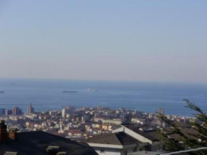 Trieste Panoramico vista sul golfo, aluguéis de temporada em Trieste