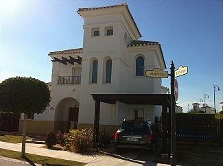 Beautiful 3 Bedroom Villa - Sleeps 6, location de vacances à Torre-Pacheco