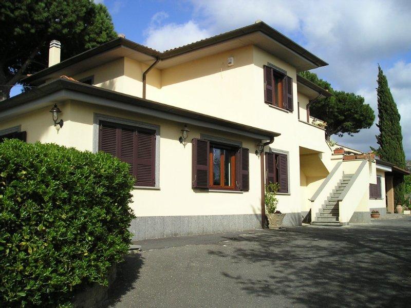 Prestigioso Appartamento in Villa ai Castelli Romani, holiday rental in Marino
