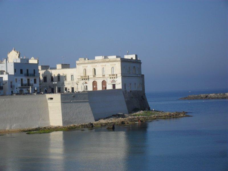 Appartamento Latte: Elegante e raffinato appartamento in residence, vacation rental in Marina di Mancaversa